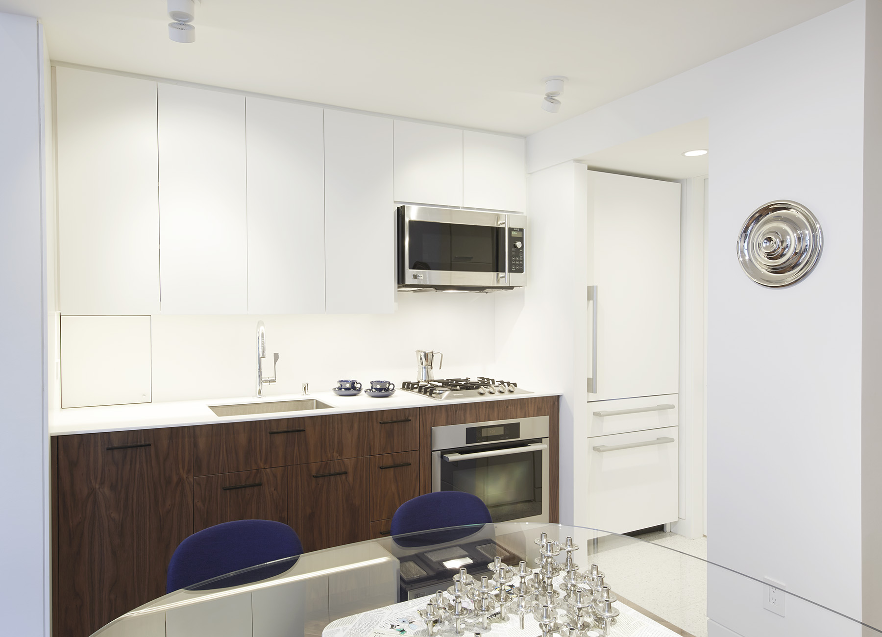 STADT Architecture, Gramercy Apartment, Walnut Cabinets, Miele, GE Monogram, Axor, STADT, nyc architects, ny apartment renovation